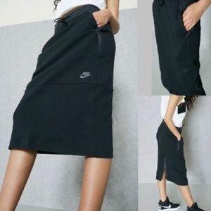 Nike Tech Pack Fleece Black MIDI Skirt
